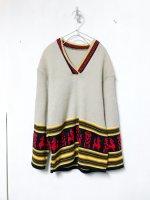 Ethnic pattern V-neck sweater