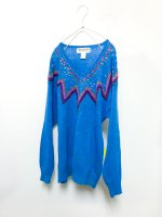 Decorative V-neck sweater /blue<img class='new_mark_img2' src='//img.shop-pro.jp/img/new/icons9.gif' style='border:none;display:inline;margin:0px;padding:0px;width:auto;' />