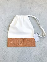 QFD 2019ss Cork purse bag / white<img class='new_mark_img2' src='//img.shop-pro.jp/img/new/icons10.gif' style='border:none;display:inline;margin:0px;padding:0px;width:auto;' />