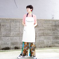 【30%OFF】QFD - THE HOUSE BOOK Cotton Apron<img class='new_mark_img2' src='https://img.shop-pro.jp/img/new/icons20.gif' style='border:none;display:inline;margin:0px;padding:0px;width:auto;' />