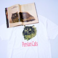 DMC - Persian Cats T-shirt<img class='new_mark_img2' src='https://img.shop-pro.jp/img/new/icons10.gif' style='border:none;display:inline;margin:0px;padding:0px;width:auto;' />