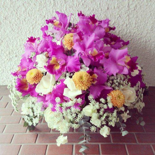 結婚記念日アレンジメント「トゥナイトトゥナイト」-千代田区飯田橋のお花屋さんhanaTAKEZO