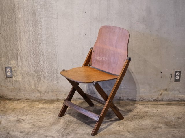 no.8 FOLDING CHAIR