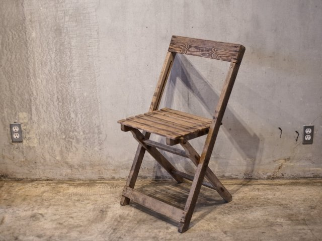 no.14 FOLDING CHAIR
