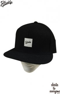 Leather emblem SNAP BACK CAP(Black/White)