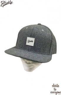 Leather emblem SNAP BACK CAP(Gray/White)