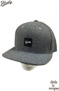 Leather emblem SNAP BACK CAP(Gray/Black)