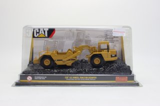 <img class='new_mark_img1' src='//img.shop-pro.jp/img/new/icons25.gif' style='border:none;display:inline;margin:0px;padding:0px;width:auto;' />USED品 1/64 Caterpillar Cat 611 Articulated Scraper Wheel Tractor 55303