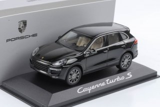 直輸入 MINICHAMPS 1/43 ポルシェカイエン 1:43 Porsche Cayenne E2 II turbo 2015 ディラー品 Dealer