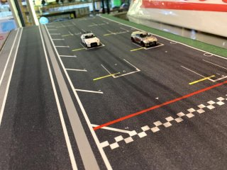 NEW Dreamcustoms レーストラックスタートグリット デスクトップジオラマ Race Track Start Line  900mm×400mm