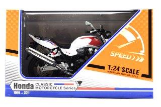 PAD FENG 1/24 ホンダ CB1300 スーパー フォアー 2011 ホワイト ( PFH02 )