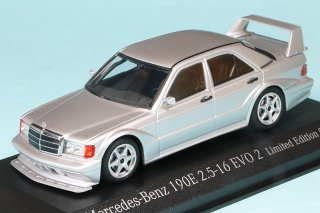 <img class='new_mark_img1' src='https://img.shop-pro.jp/img/new/icons13.gif' style='border:none;display:inline;margin:0px;padding:0px;width:auto;' />直輸入 MINICHAMPS 1/43 メルセデス ベンツ 190E 2.5-16 EVO2 1990 シルバー (943923404)
