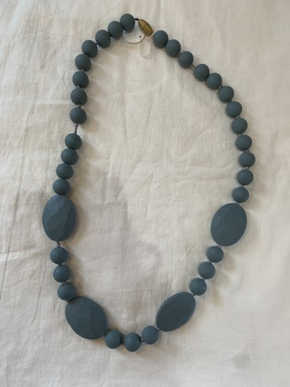 【Chewbeads】 Perry Teething Necklace -Stormy Grey チュービーズ