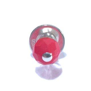 天然素材の小さなピアス(赤珊瑚/シングル)