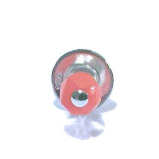 天然素材の小さなピアス(桃珊瑚/シングル) ☆数量限定品