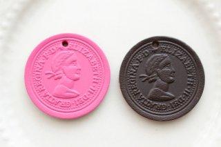 エリザベスコイン革タグ(28mm・全2色)