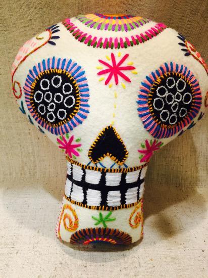 メキシコ・チアパスのアニマリート カラベラ Lサイズ ホワイト