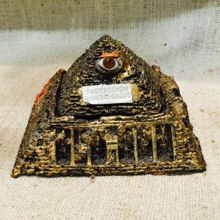 メキシコ オラシオン カエルが鎮座するピラミッド プロビデンスの目 金運