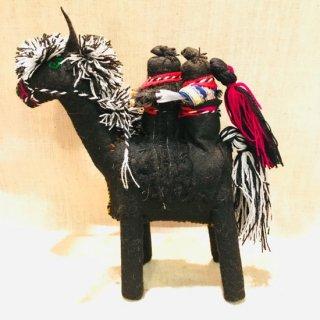 サパティスタ EZLNのぬいぐるみ人形 馬乗り 二人乗り 黒 6384