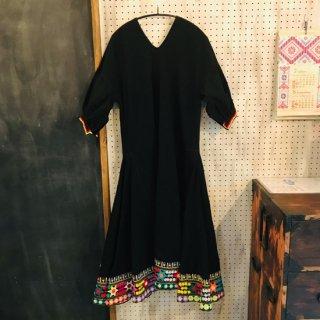 ボリビア 豪華な刺繍のダンス衣装