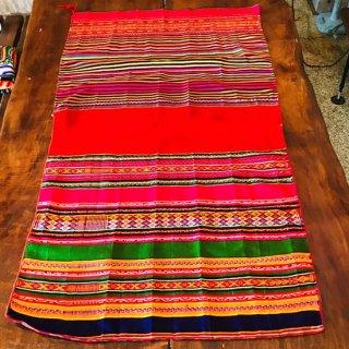 ボリビア カラフルな刺繍の生地