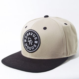 DRAVUS SNAPBACK<br>(BEIGE/BLACK)<img class='new_mark_img2' src='//img.shop-pro.jp/img/new/icons47.gif' style='border:none;display:inline;margin:0px;padding:0px;width:auto;' />