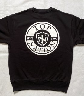 <img class='new_mark_img1' src='https://img.shop-pro.jp/img/new/icons1.gif' style='border:none;display:inline;margin:0px;padding:0px;width:auto;' />TOPNATION SINCE97<br>CREWNECK SWEATER <br>(BLACK)