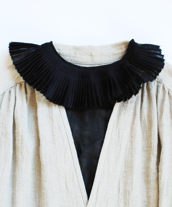 'BLANCLAITEUX' collar<img class='new_mark_img2' src='https://img.shop-pro.jp/img/new/icons52.gif' style='border:none;display:inline;margin:0px;padding:0px;width:auto;' />