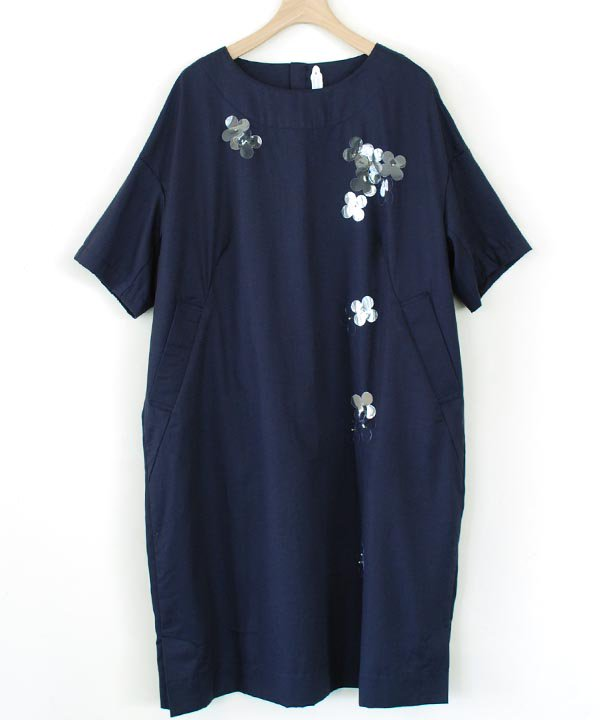 "【SALE:30%off】""甘雨のはな"" 半袖ワンピース(ネイビー)<img class='new_mark_img2' src='//img.shop-pro.jp/img/new/icons16.gif' style='border:none;display:inline;margin:0px;padding:0px;width:auto;' />"