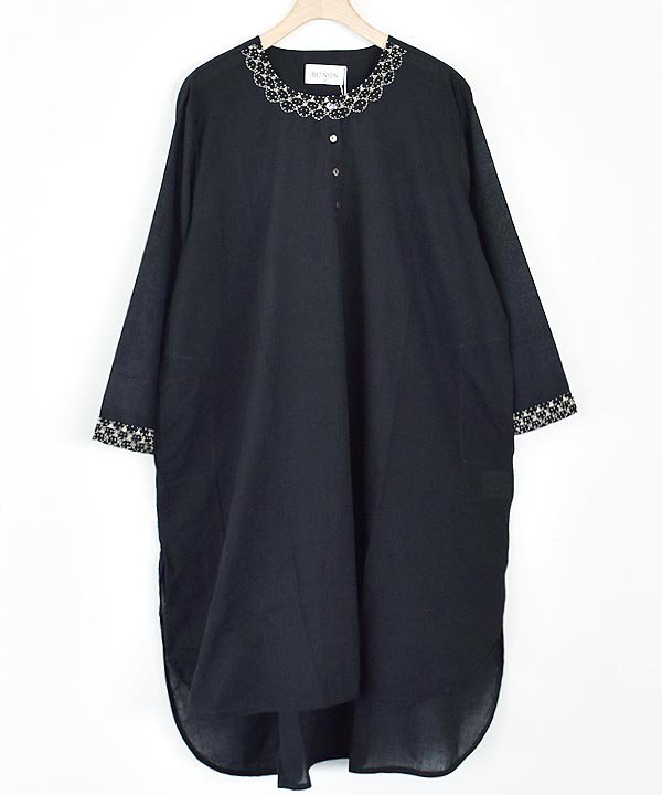 Khadhi Cotton Embroidery Tunic(ブラック)<img class='new_mark_img2' src='https://img.shop-pro.jp/img/new/icons1.gif' style='border:none;display:inline;margin:0px;padding:0px;width:auto;' />