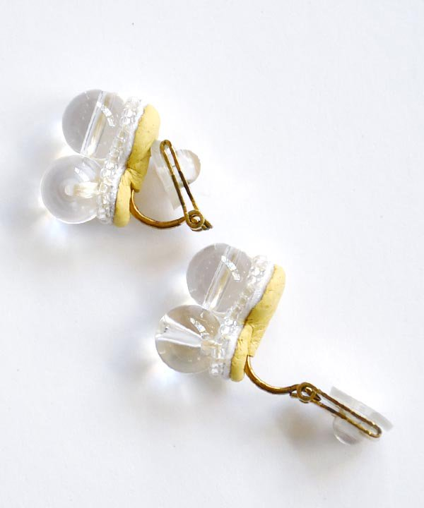 Sanae(White) / pierce・earring<img class='new_mark_img2' src='https://img.shop-pro.jp/img/new/icons1.gif' style='border:none;display:inline;margin:0px;padding:0px;width:auto;' />