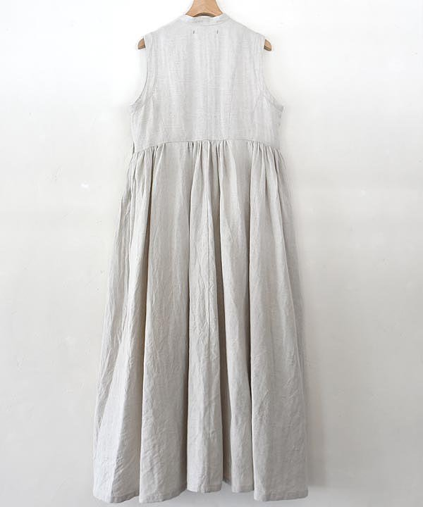 sleeveless dress(nude)<img class='new_mark_img2' src='https://img.shop-pro.jp/img/new/icons1.gif' style='border:none;display:inline;margin:0px;padding:0px;width:auto;' />