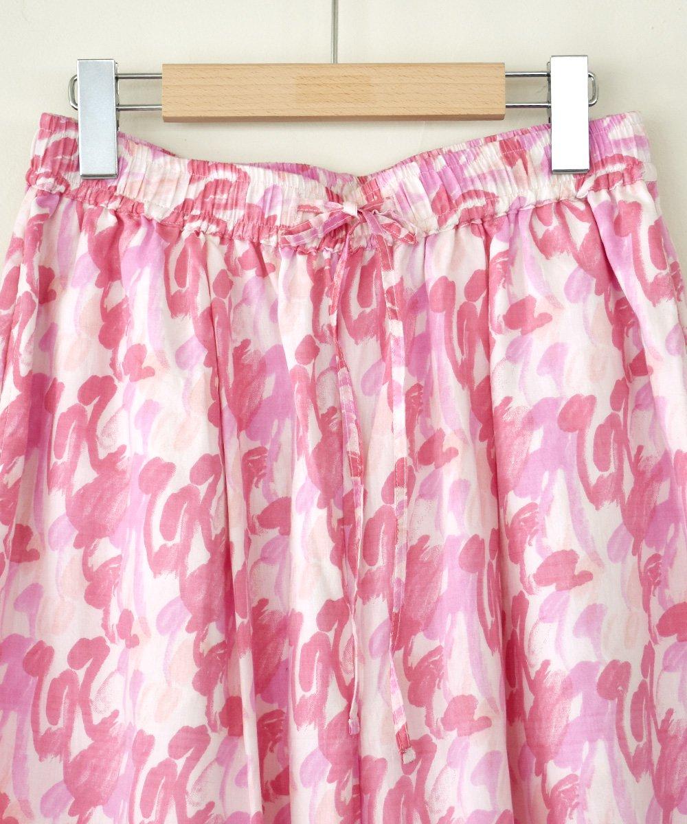 Khadi Cotton Silk Flamingo Hand Print  Tuck Pants<img class='new_mark_img2' src='https://img.shop-pro.jp/img/new/icons1.gif' style='border:none;display:inline;margin:0px;padding:0px;width:auto;' />