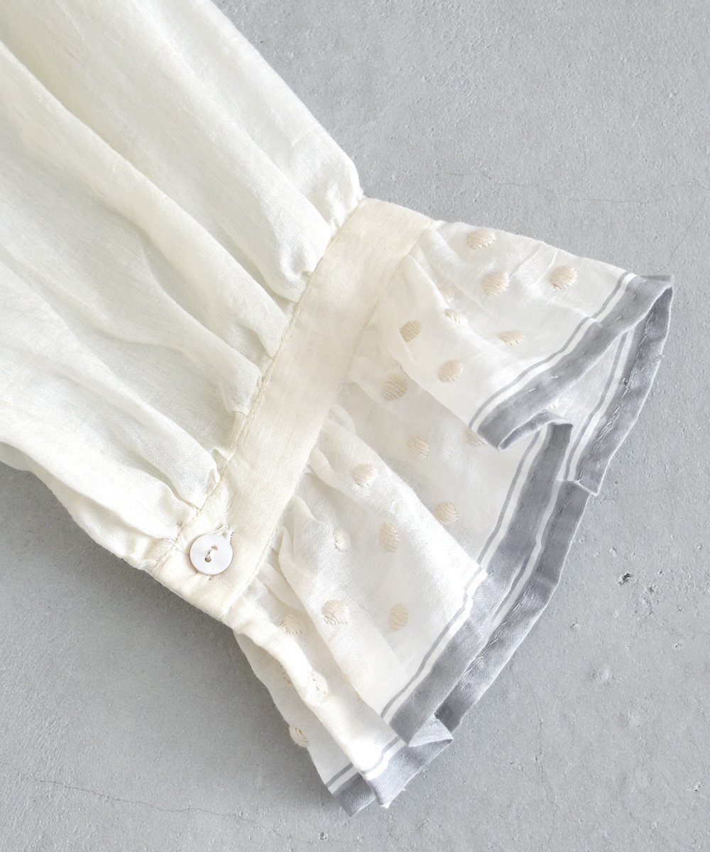 Khadi Cotton Silk Embroidery Dress(Off White)<img class='new_mark_img2' src='https://img.shop-pro.jp/img/new/icons1.gif' style='border:none;display:inline;margin:0px;padding:0px;width:auto;' />