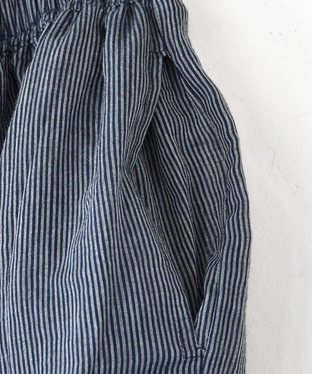 Khadi Cotton Tuck Skirt(D.Gray)<img class='new_mark_img2' src='https://img.shop-pro.jp/img/new/icons1.gif' style='border:none;display:inline;margin:0px;padding:0px;width:auto;' />