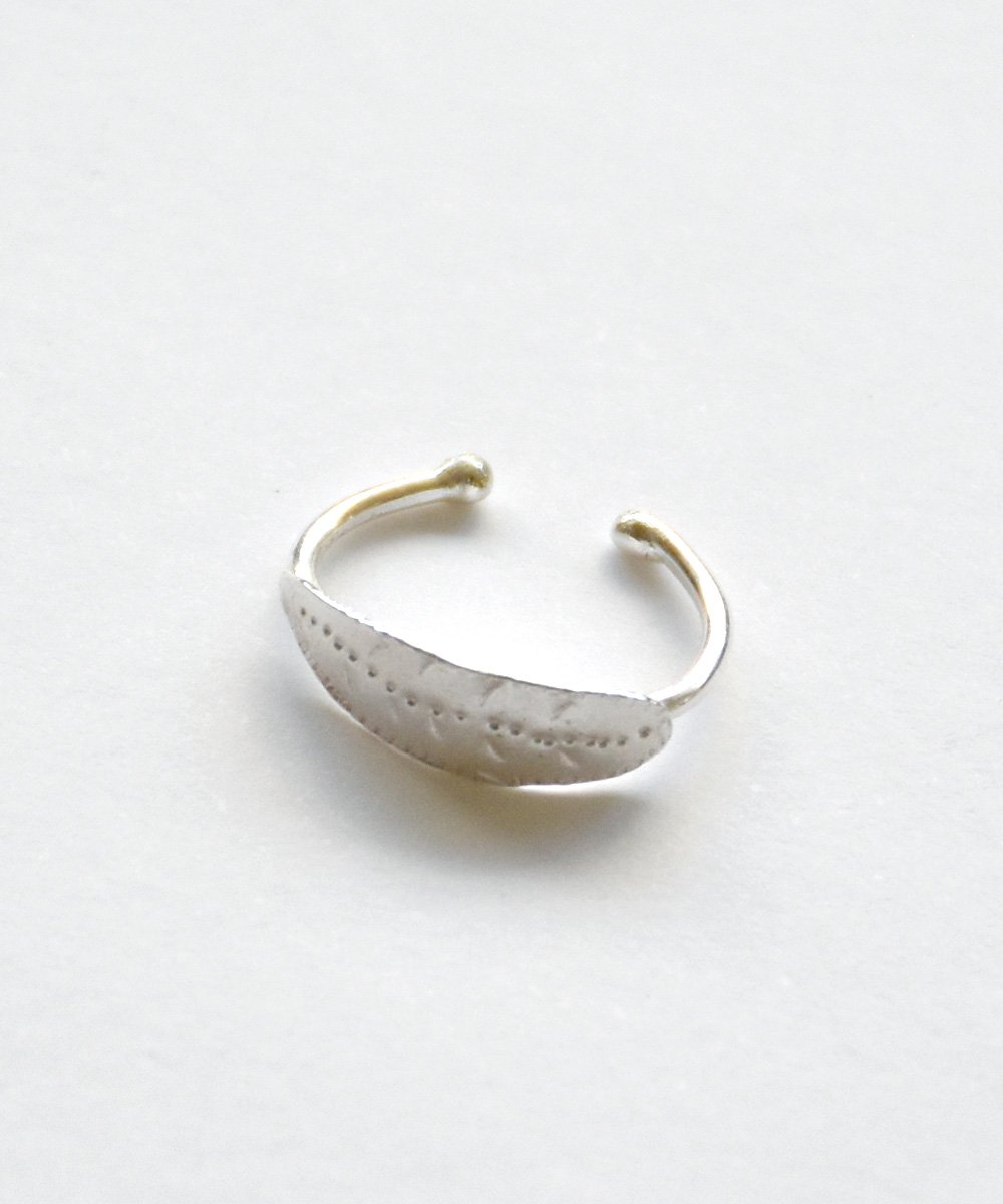 'JARDIN'  ear cuff_<img class='new_mark_img2' src='https://img.shop-pro.jp/img/new/icons1.gif' style='border:none;display:inline;margin:0px;padding:0px;width:auto;' />