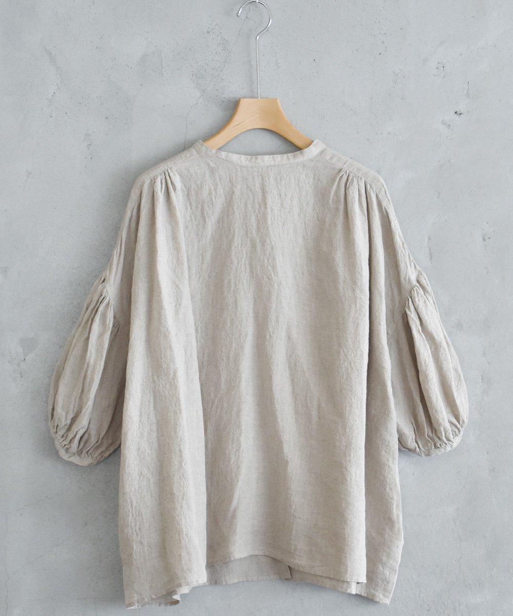 ikkuna/suzuki takayuki / smock blouse(nude)<img class='new_mark_img2' src='https://img.shop-pro.jp/img/new/icons1.gif' style='border:none;display:inline;margin:0px;padding:0px;width:auto;' />