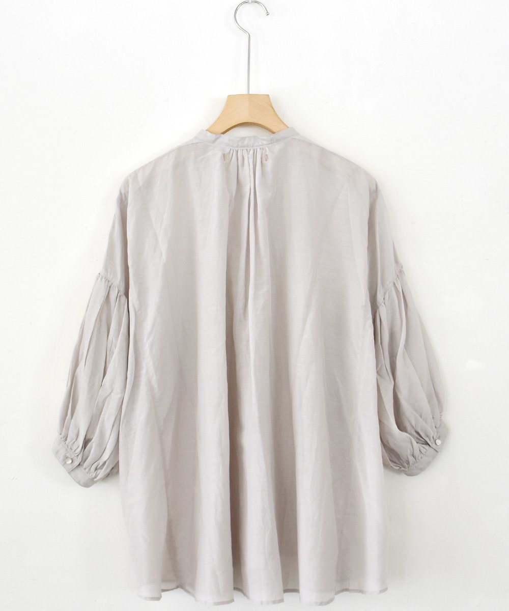 puff-sleeve blouse(ice grey)<img class='new_mark_img2' src='https://img.shop-pro.jp/img/new/icons1.gif' style='border:none;display:inline;margin:0px;padding:0px;width:auto;' />