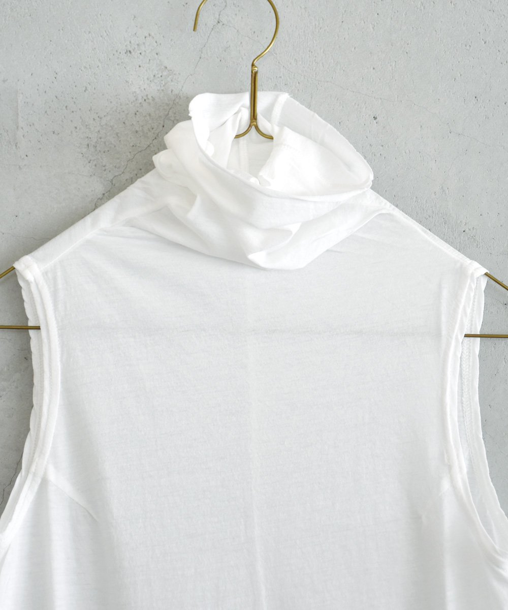 sleeveless turtle-neck t-shirt(nude) <img class='new_mark_img2' src='https://img.shop-pro.jp/img/new/icons1.gif' style='border:none;display:inline;margin:0px;padding:0px;width:auto;' />