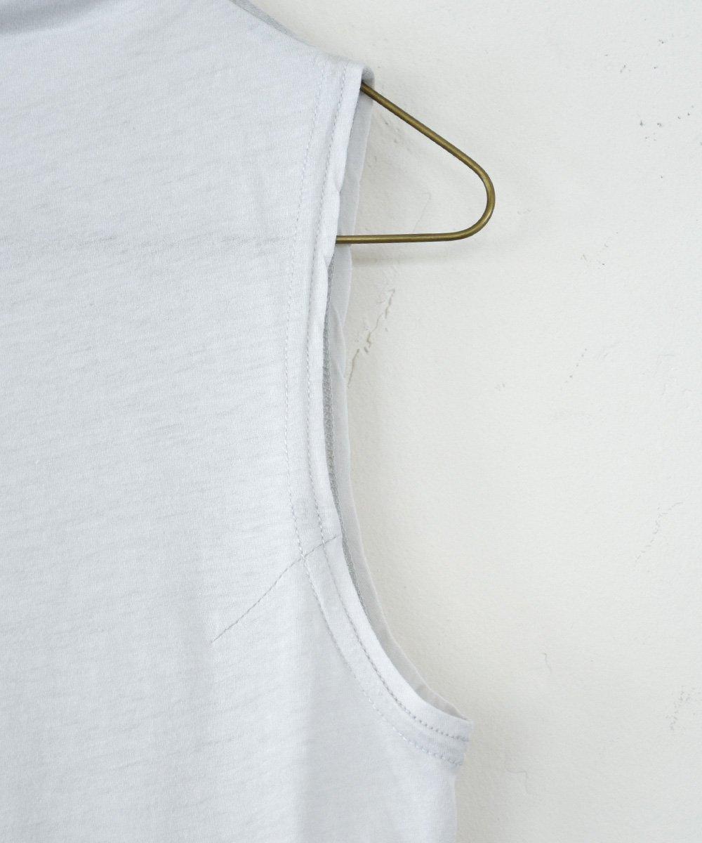 sleeveless turtle-neck t-shirt(ice grey) <img class='new_mark_img2' src='https://img.shop-pro.jp/img/new/icons1.gif' style='border:none;display:inline;margin:0px;padding:0px;width:auto;' />
