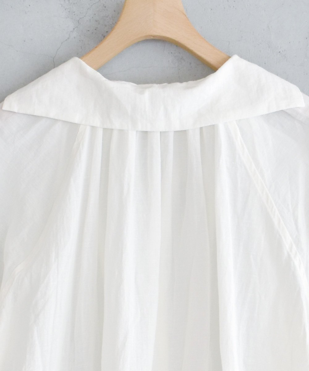 Cotton Linen ガスボイル ウィングカラーチュニック(オフホワイト)<img class='new_mark_img2' src='https://img.shop-pro.jp/img/new/icons1.gif' style='border:none;display:inline;margin:0px;padding:0px;width:auto;' />