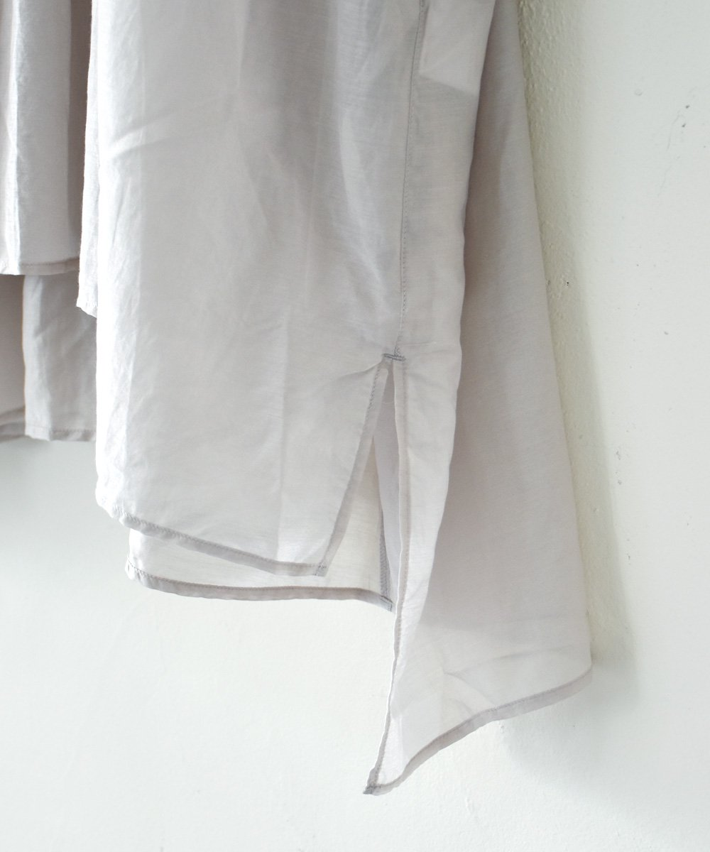 broad blouse(ice grey)<img class='new_mark_img2' src='https://img.shop-pro.jp/img/new/icons1.gif' style='border:none;display:inline;margin:0px;padding:0px;width:auto;' />
