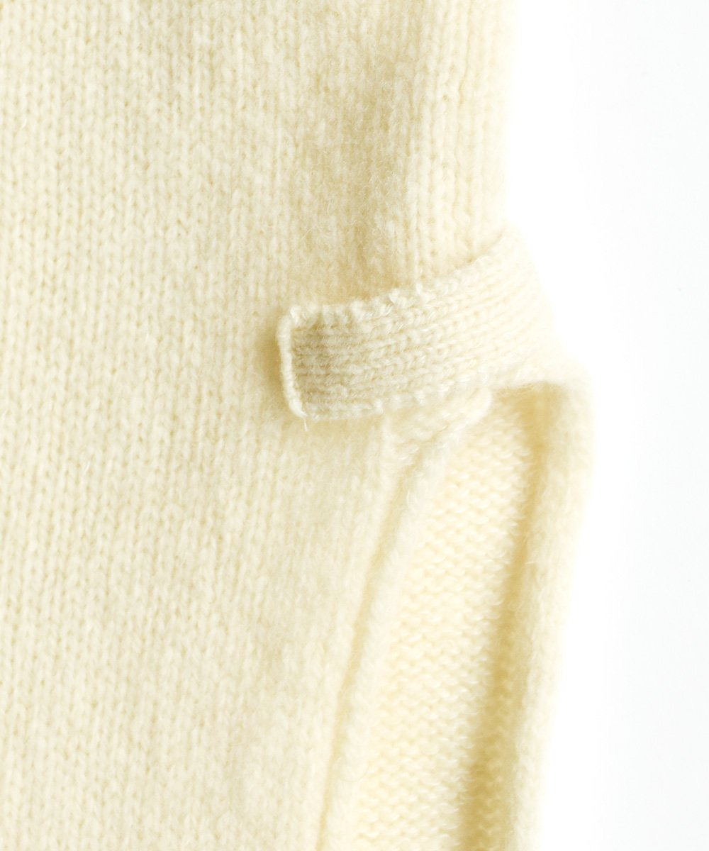 KL×Natural Color Wool フーデッドマフラー(オフホワイト)<img class='new_mark_img2' src='https://img.shop-pro.jp/img/new/icons1.gif' style='border:none;display:inline;margin:0px;padding:0px;width:auto;' />