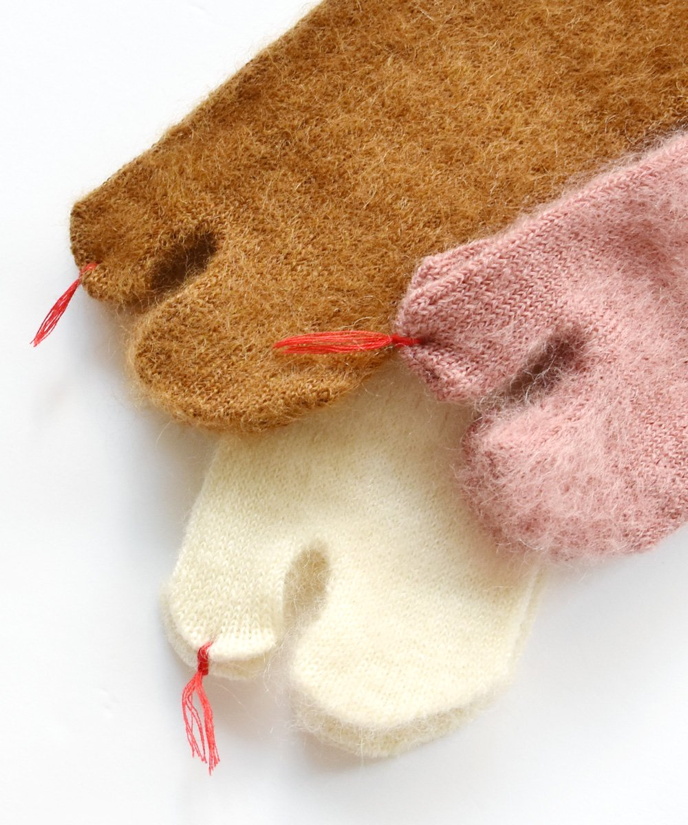New Classic / mohair tabi sock<img class='new_mark_img2' src='https://img.shop-pro.jp/img/new/icons1.gif' style='border:none;display:inline;margin:0px;padding:0px;width:auto;' />