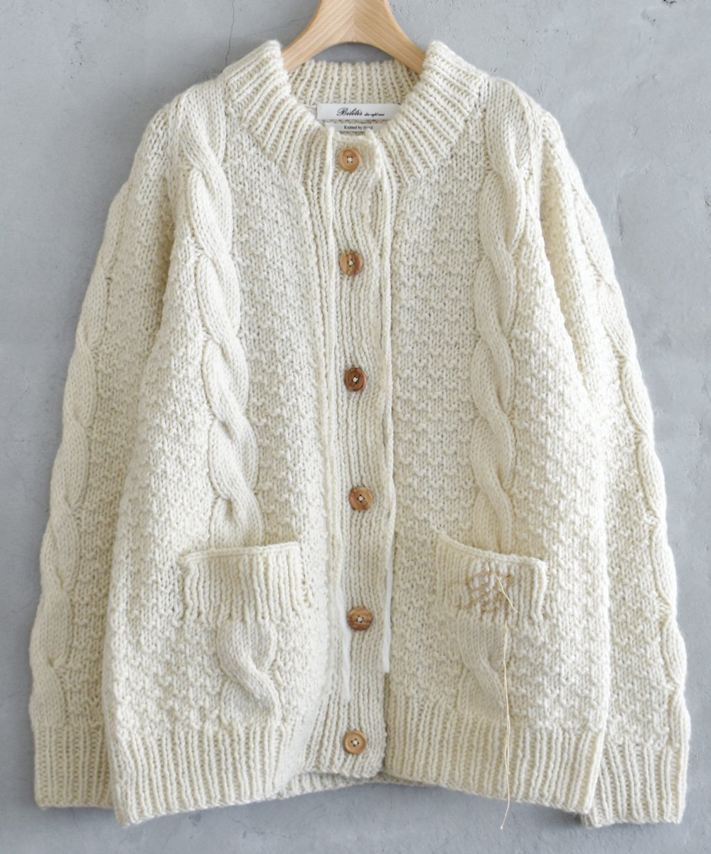 Cable Knit Cardigan(アイボリー)<img class='new_mark_img2' src='https://img.shop-pro.jp/img/new/icons1.gif' style='border:none;display:inline;margin:0px;padding:0px;width:auto;' />
