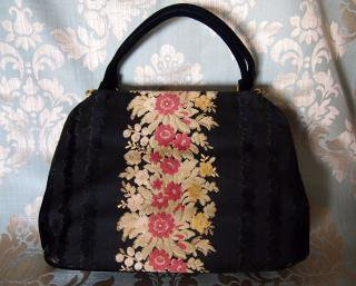 New York【bienen davis】 ビンテージ ベルベットの花柄ハンドバッグ