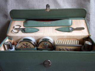 イギリス製 1950年代 レザーボックス入り ビューティ・バニティケース