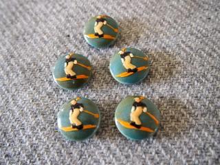 スキーヤーの絵柄 青色の木製ボタン 5個セット/ブエノスアイレスのヴィンテージ