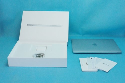 超美品|Apple MacBook Air  13インチ Retina 1.6GHz Core i5 256GB  8GB シルバー MREC2J/A 充電回数3回