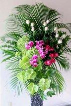 グリーン系のスタンド花